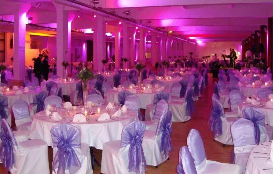 Hochzeitsdekoration Loewe Saal