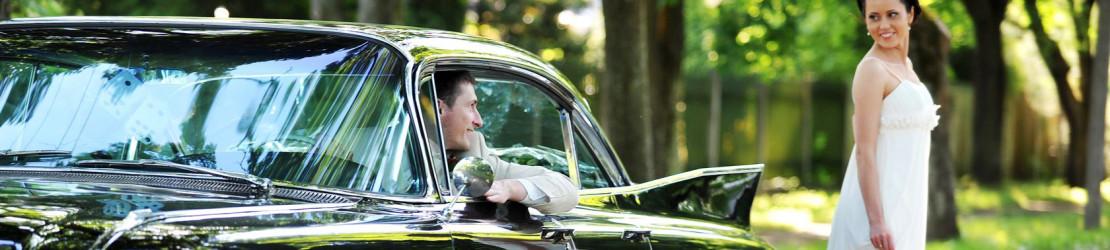 Hochzeitsauto und andere stilvolle Gefährte