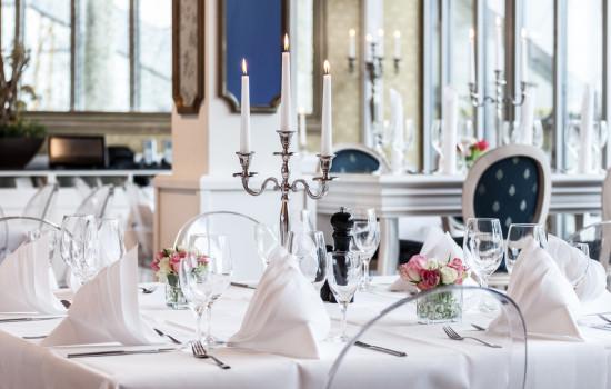 humboldt terrassen weiße tafelbestuhlung