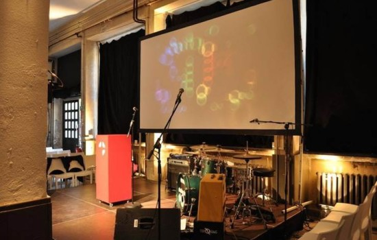 spreegalerie mit live band