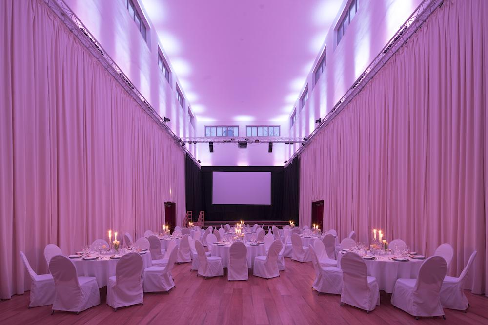 Alte Boerse Marzahn Boersensaal Hochzeit Mit Licht
